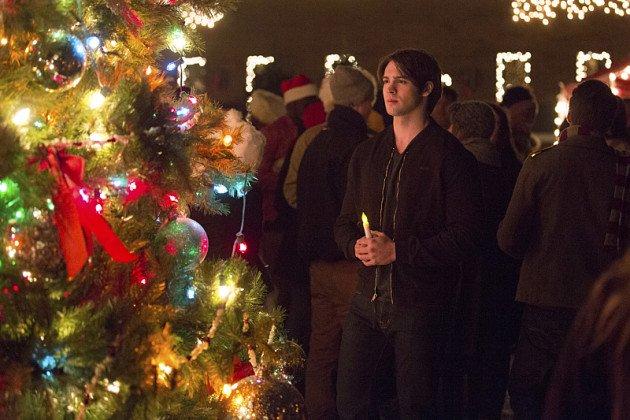 Săracul Jeremy; nu este tocmai înconjurat de familie de Crăciun.