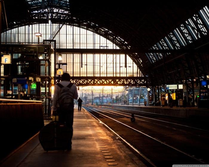 platform_5_amsterdam_central-wallpaper-1280x1024